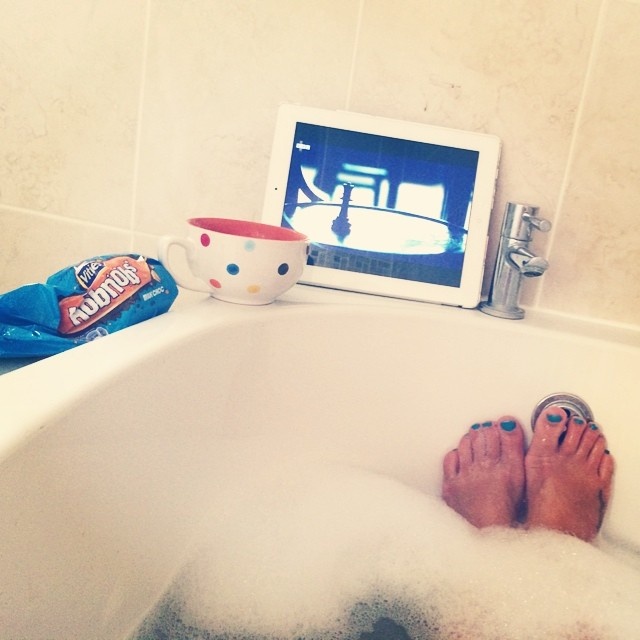 Perfect Sunday evening treat... #happy #relaxing #bath #hobnobs #thehonourablewoman