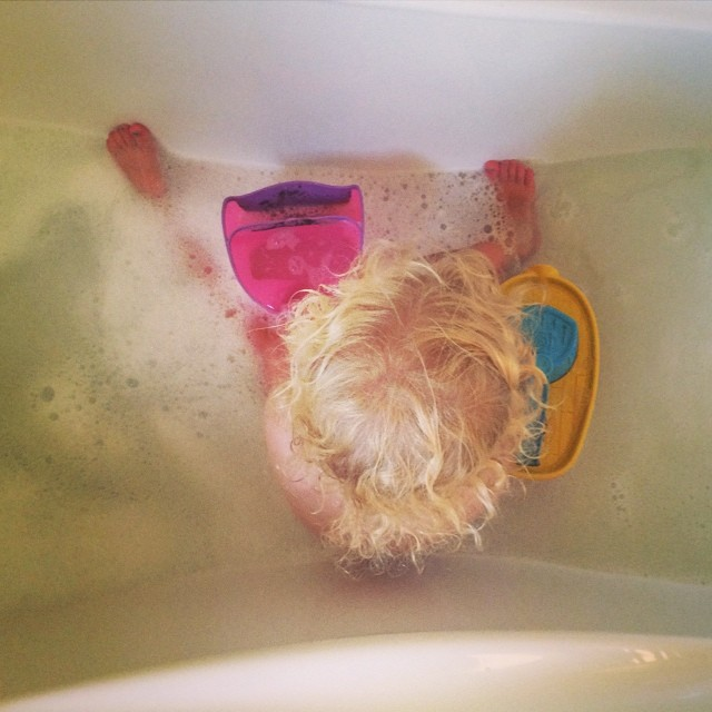 She has been in the bath for 40 minutes now and still doesn't want to get out #toddler #demands #adamant