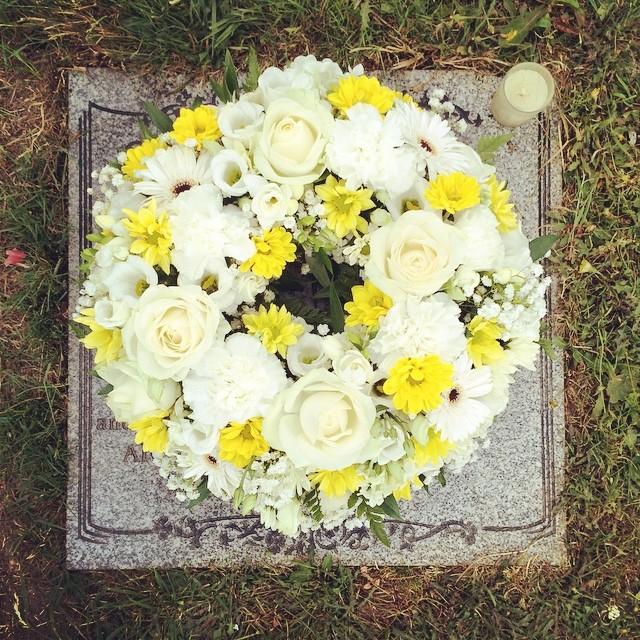 Grandad's flowers look so pretty, he would love the yellow and white flowers. #flowers #grandad #rip