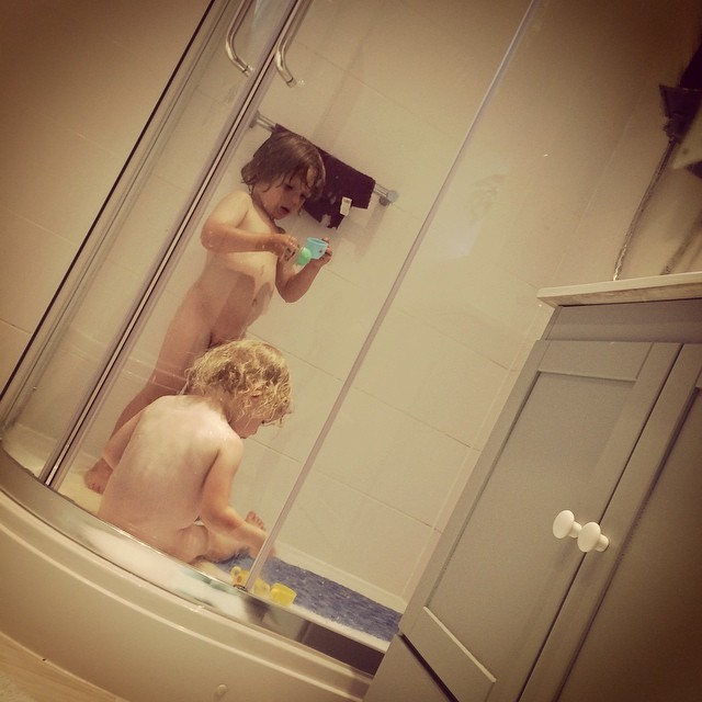 They love great grandmas big shower... #awesome