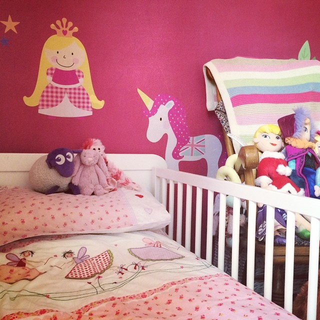 I think I might sleep in here with her tonight... #bedroom #decorating #toddler #pink #wallstickers