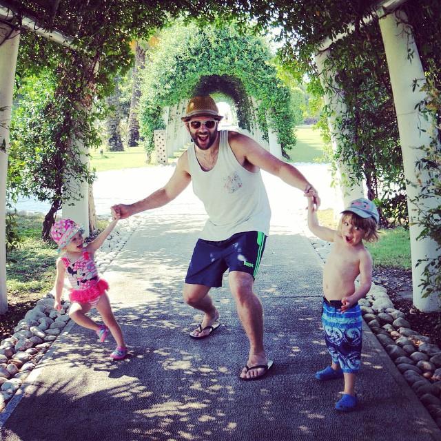 Super happy family #beach #walk #happy #fun