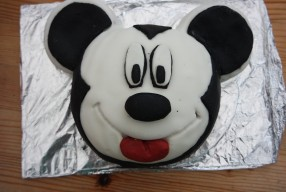 #Recipe – A Mickey Mouse birthday cake
