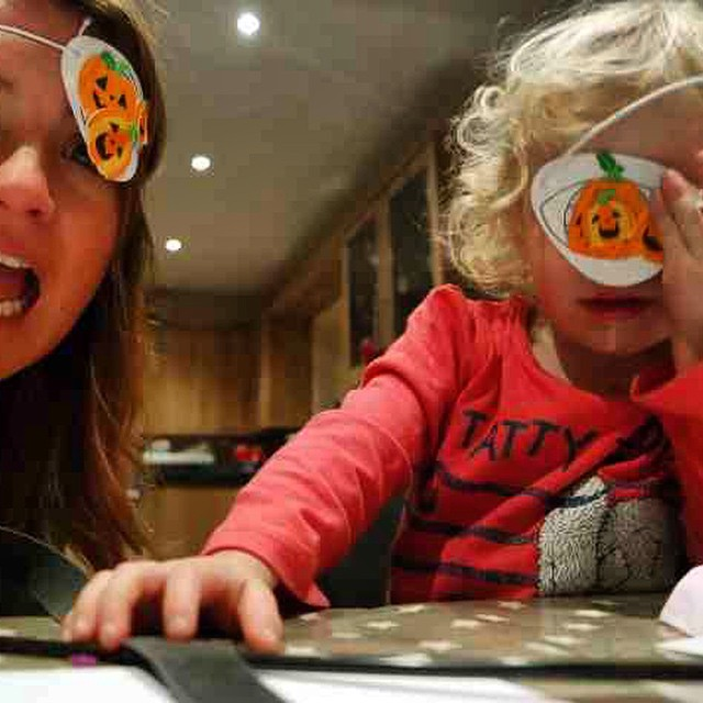 We had fun making our crafts from #bakerross @bakerross #Halloween #crafts #craftyconstants #fun
