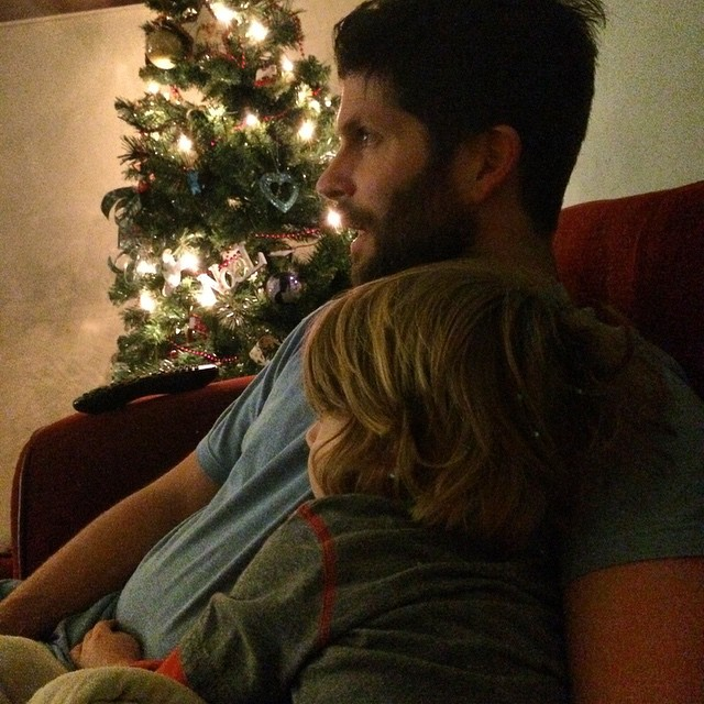 Father and son snuggle time #family #youvebeenframed @deanconstant