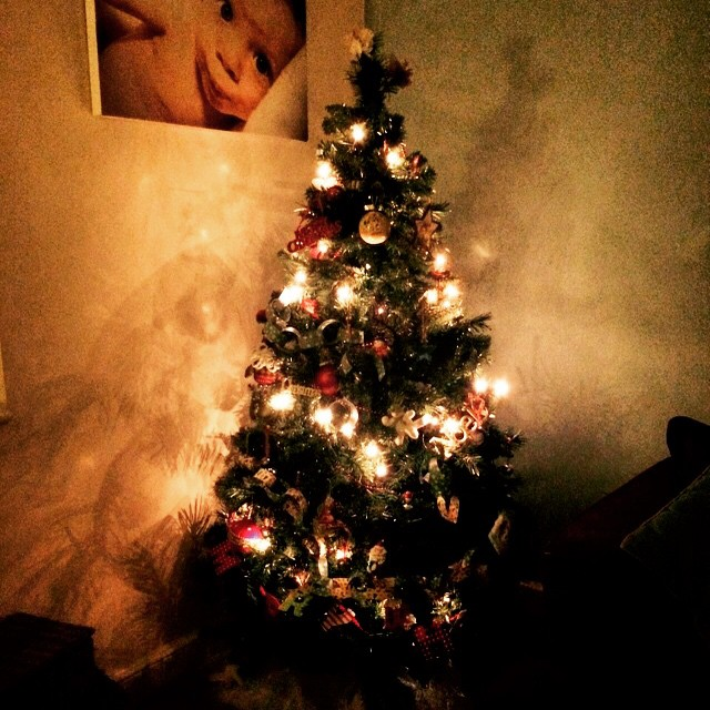 Don't they just look beautiful? #christmastree #decorations #familyroom #prettyshadows