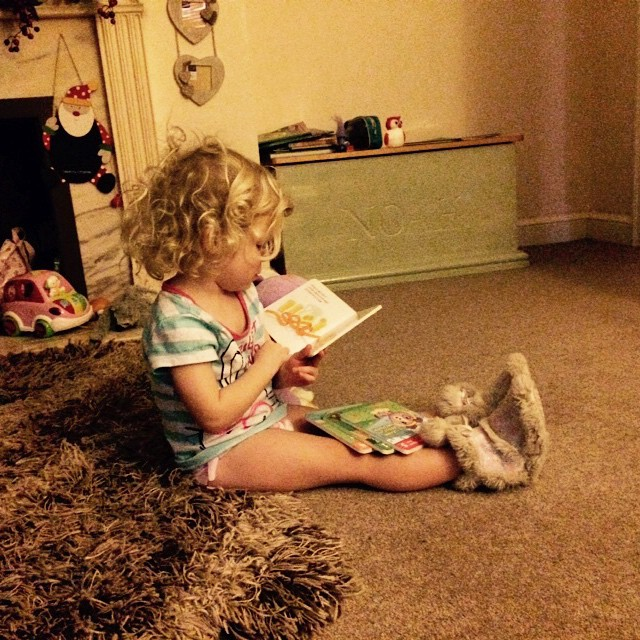 She loves her #Violet dog... #reading the stories together is her favourite! #leapfrog ?