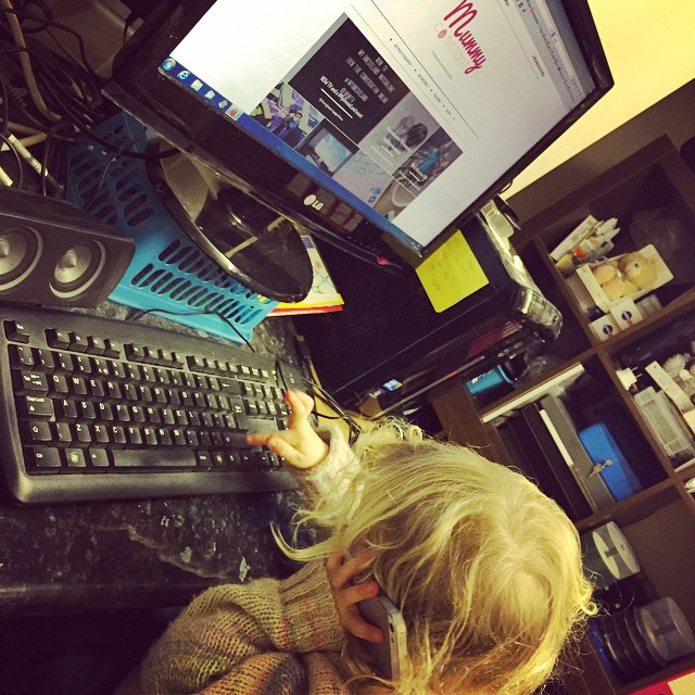Isla wants to take over the family business and blog. #multitasking #toddler #roleplay #telephone #makebelieve #pretend