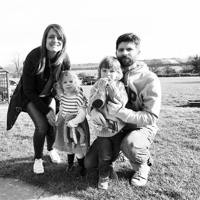 Not our best #familyselfie but hey ho. #family #fun #outdoorfun #selfie #farm #sacrewell #nx3000 #felfie