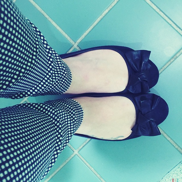 I have my #illusion trousers on today. They mesmerise my eyes ? #checkered #monochrome @newlookfashion