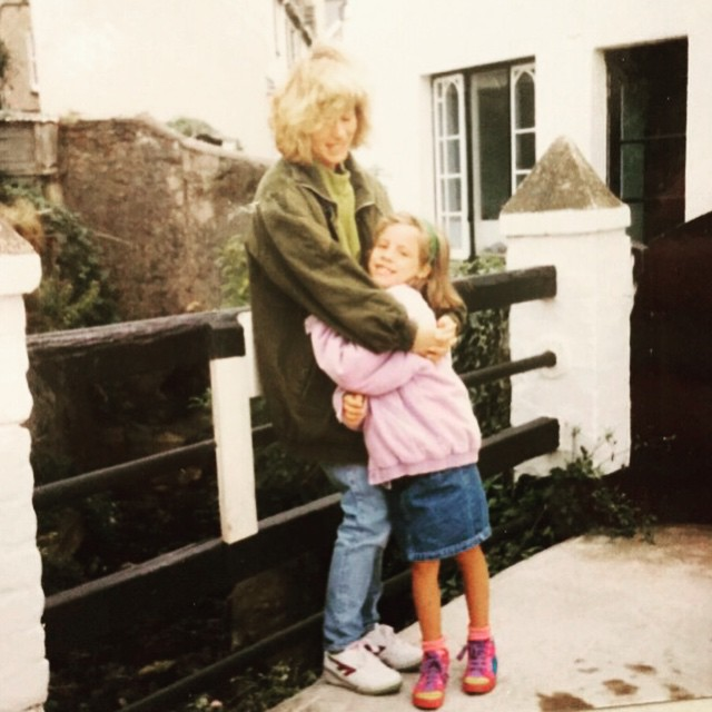 Love this #throwback photo of me and my Mummy! #80schild #?? #family #love #❤️