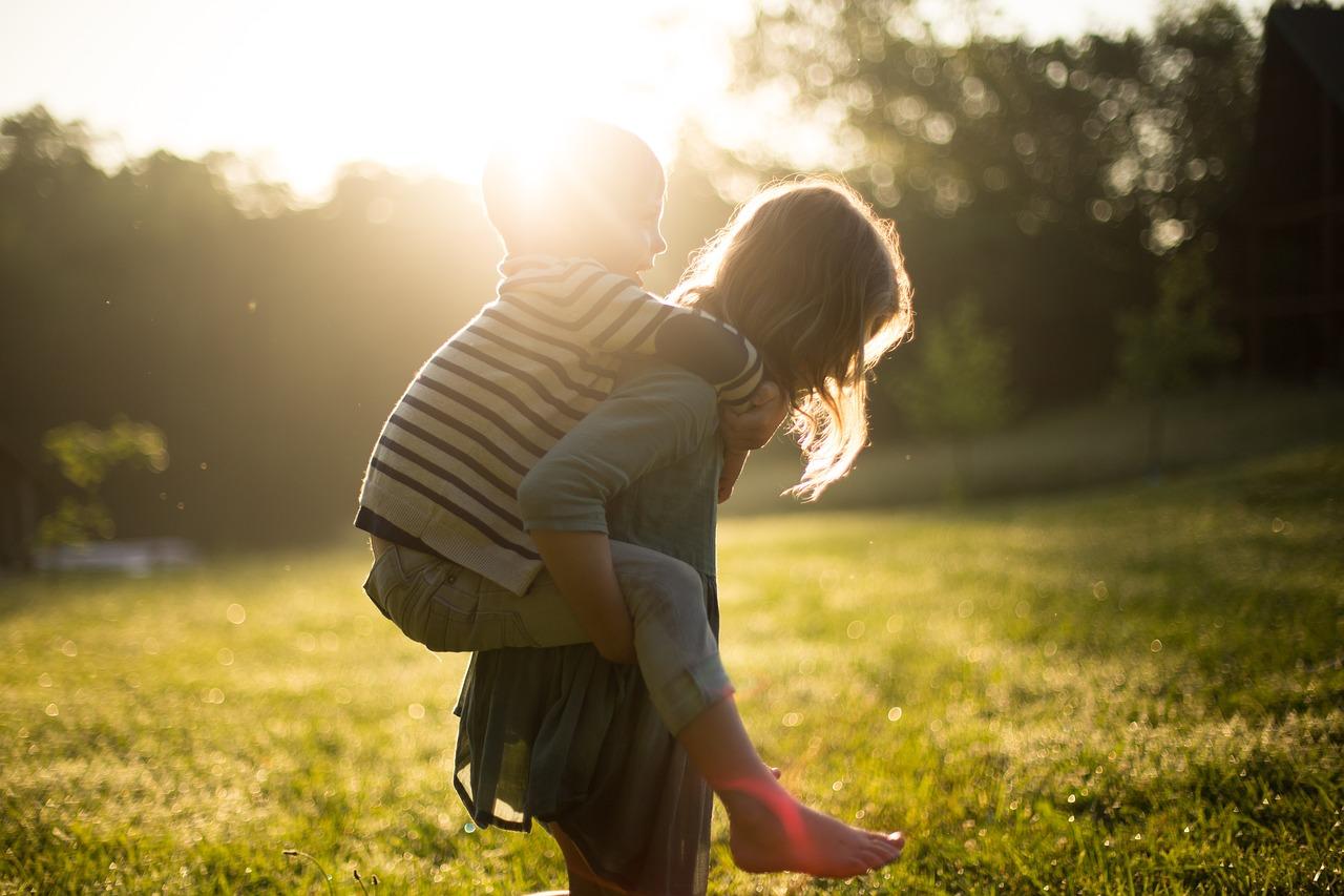 https://pixabay.com/en/boy-children-cute-girl-grass-kids-1846236/