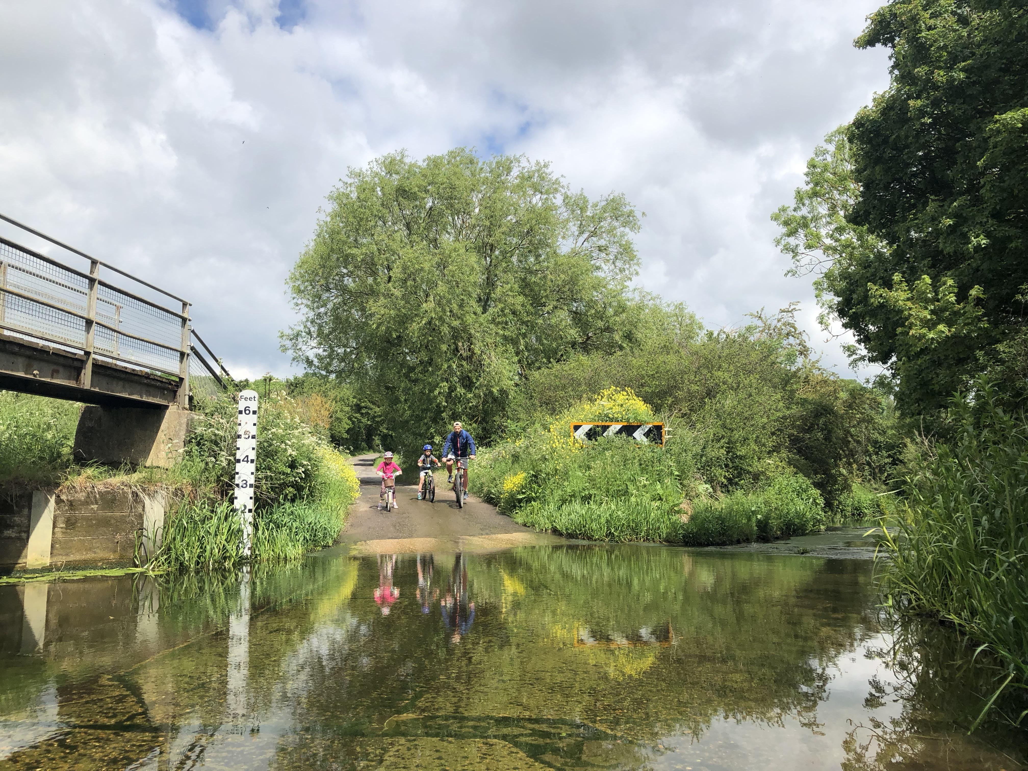 20 outdoor activities for children in and around
